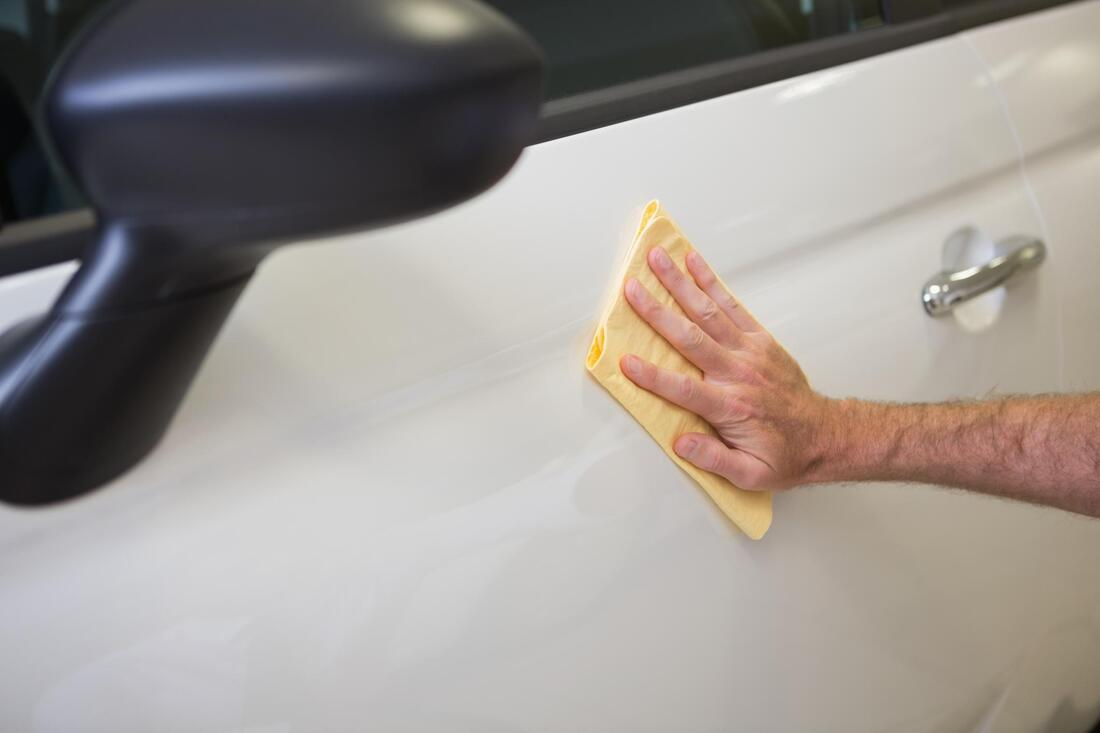 car side wipe wax polish